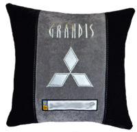 мицубиши подушка с логотипом