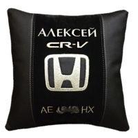 подушка с логотипом тойота