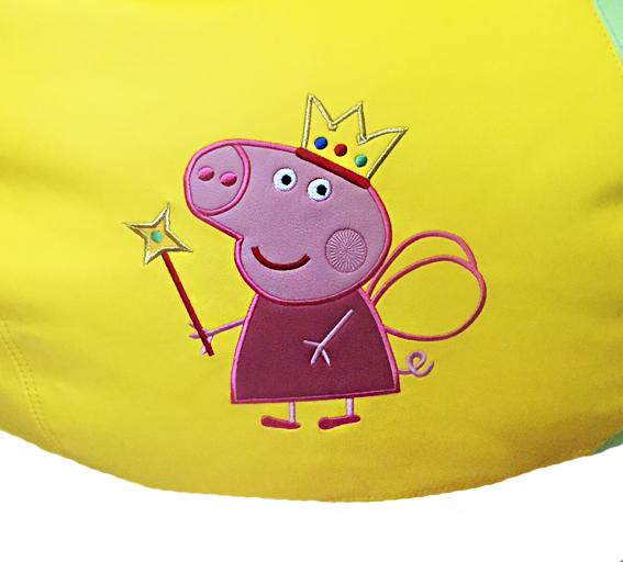 свинка пеппа вышивка на кресле