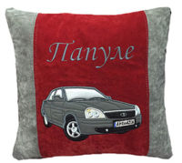 подушка с силуэтом авто
