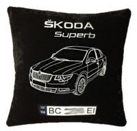 подушка с изображением машины