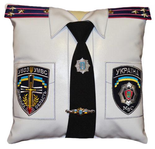 подушка сотруднику милиции