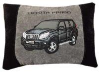 сувенирная подушка с вышивкой машины